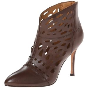 NEW Nine West Darenne leather cut out booties
